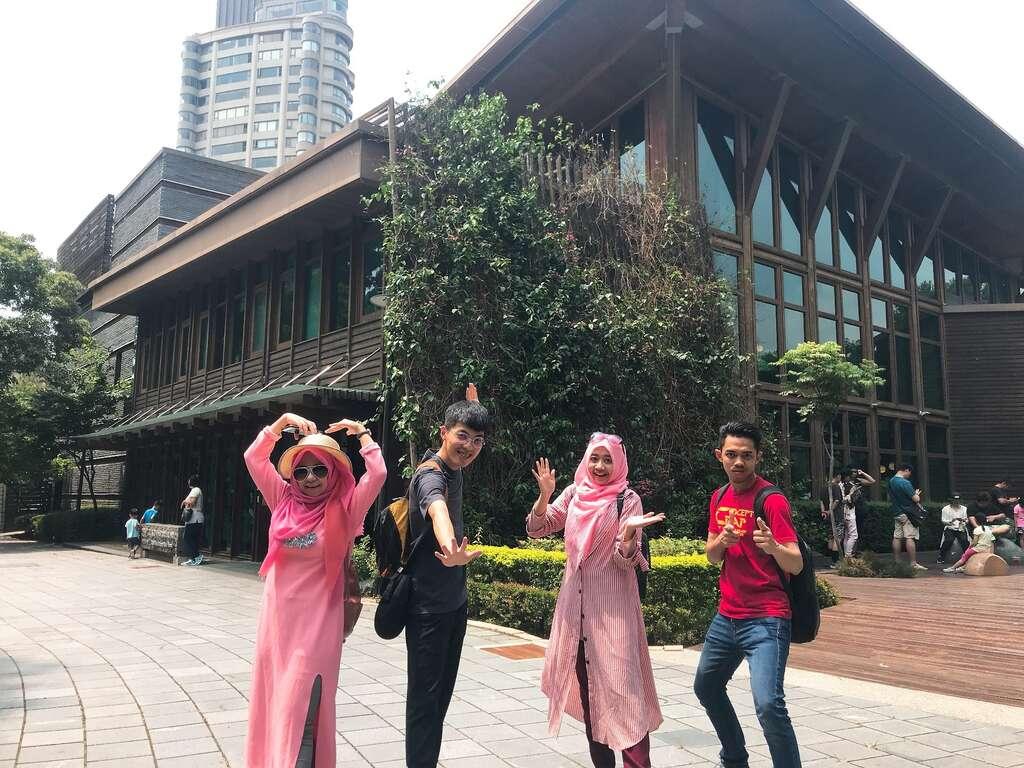 穆斯林學生看臺北,觀光顏值最高在哪裡?療癒北投、象山遠眺101都上榜