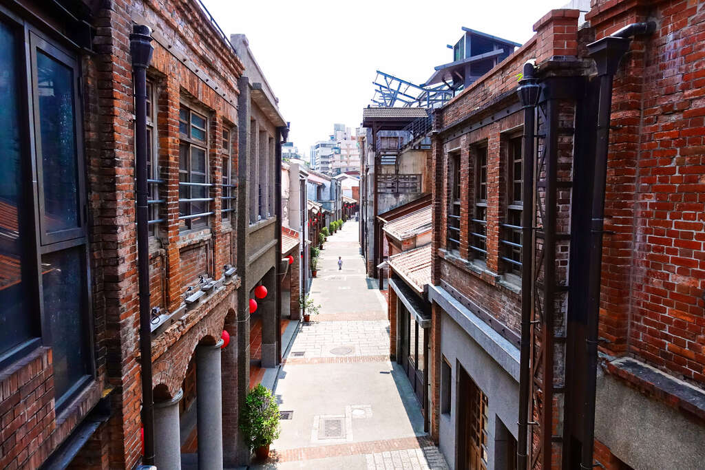 Heritage and Culture Education Center of Taipei (the historic Bopiliao area )