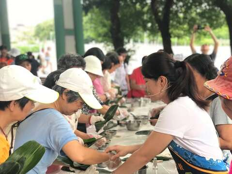 Expo Park Farmers' Market in June: Sticky Rice Dumplings for the Holiday